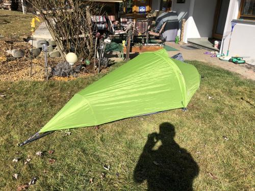 Das Zelt am Boden...